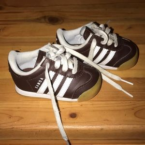 Toddler Adidas shoes size 4. Used once.